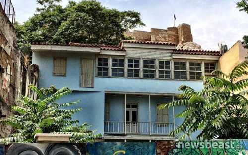 Γιατί το σπίτι του ζεύγους Κοκοβίκου στην Πλάκα δεν πουλήθηκε ποτέ