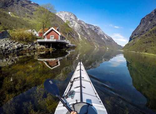 Τα νορβηγικά φιόρδ φωτογραφημένα από μία άλλη οπτική γωνία!