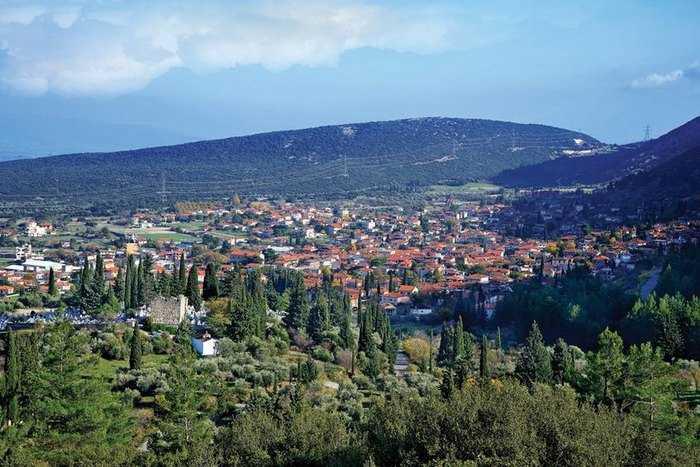 Αμφίκλεια ένα μαγικό χωριουδάκι 2,5 ώρες από την Αθήνα!