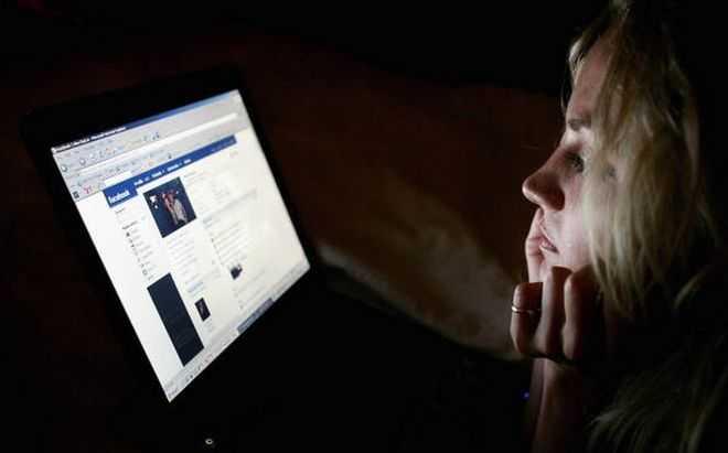 Πώς να προστατέψετε παιδιά και εφήβους από τους κινδύνους του Ίντερνετ
