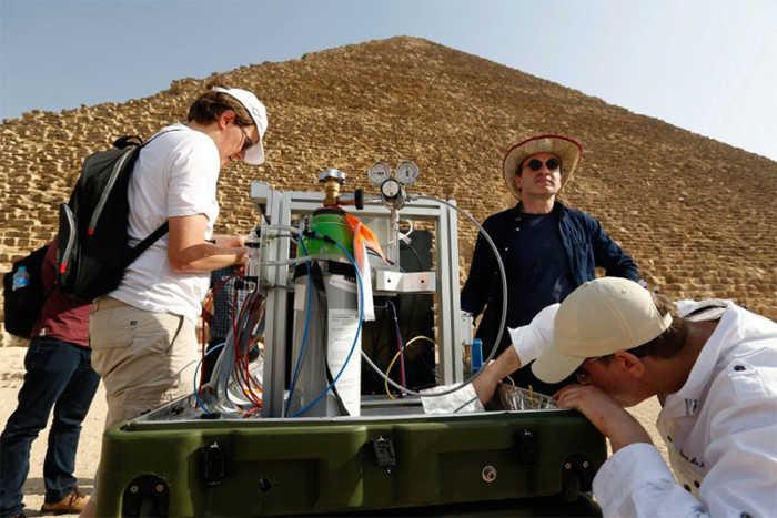 Μυστηριώδης «τρύπα» μήκους 30 μέτρων ανακαλύφθηκε στη Μεγάλη Πυραμίδα του Χέοπα