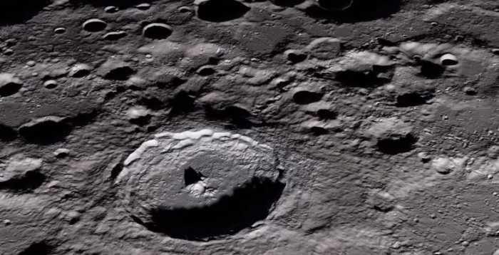 Ταξίδι στο φεγγάρι μέσα από ένα εξαιρετικά λεπτομερές βίντεο
